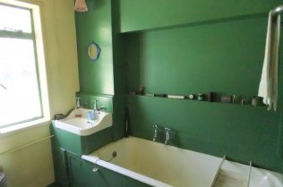 Bathroom, Universal prefab (Chiltern Open Air Museum) | Jane Hearn