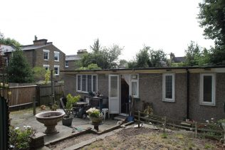John's Uni-Seco prefab from the back garden | Elisabeth Blanchet