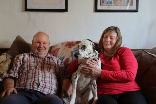 Liz and Malcolm and their dog Molly | Elisabeth Blanchet