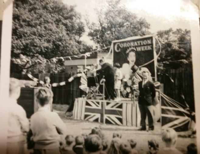 Coronation party   Hearn,Jane