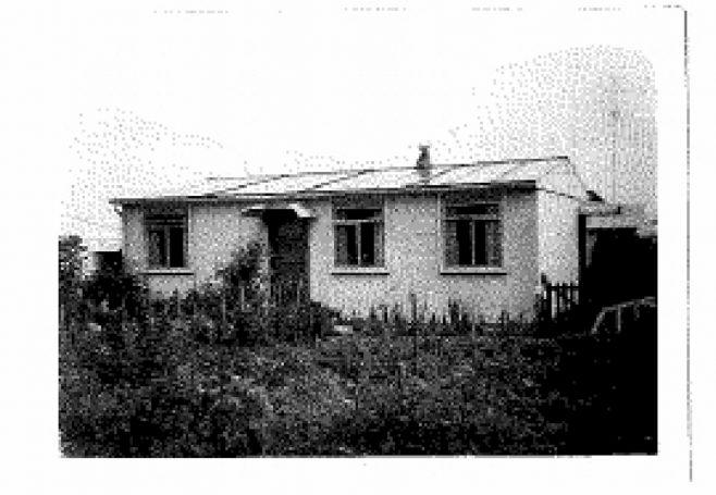 Allen and Judith Sawkins' family prefab in Farnham, Surrey, 50s | Blanchet,Elisabeth