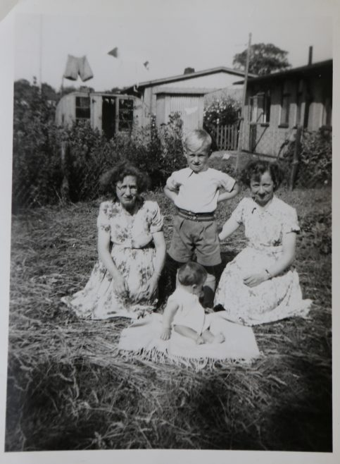 June Kapitan with her two children and friend | Hearn,Jane