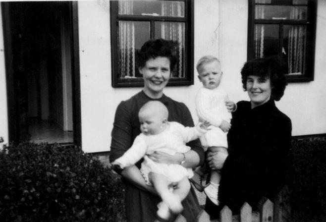 June Slater, Garry Slater, friend Rosemary and child Linda | Hearn, Jane