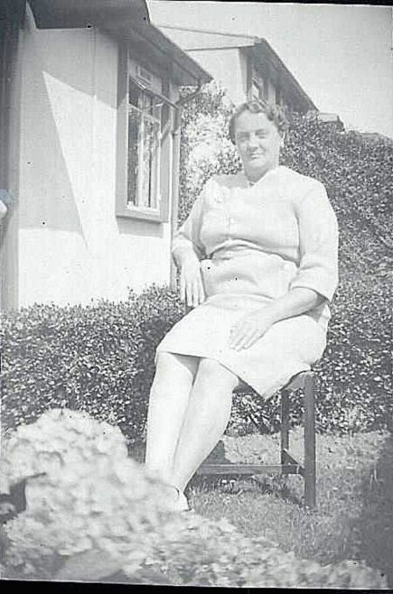 Mom. Beecher Drive, Halesowen