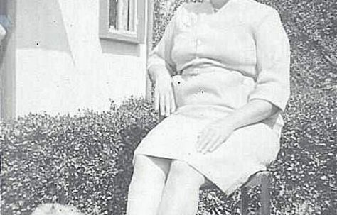 Mom. Beecher Drive, Halesowen