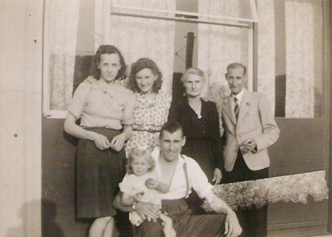 Ivy Pope, Marie Nieuwdorp, Amy and Albert Pope. Front row Robert Pope and Roberta. 849 Ripple Road