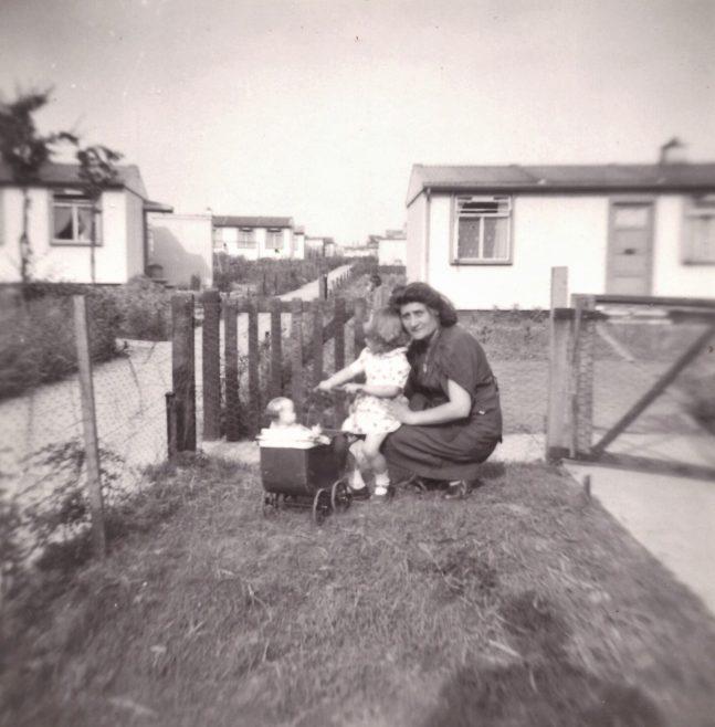 My aunt and cousins in Flaxland, Birchwood estate, Hatfield, Herts | John Hawthorne